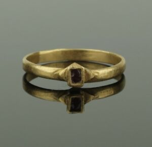 Beautiful Ancient Medieval Gold Ring Circa 11th 12th Century Ad