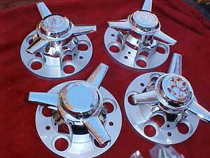 Chevy Pick up Truck 5 On 5 Factory Rally Center Caps With Stright Spinners 5rss