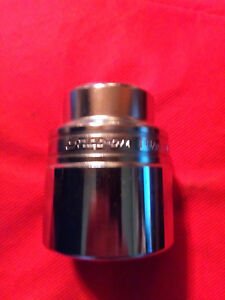 Snap On 3 4 Drive 12 Point Sae 1 11 16 Flank Drive Shallow Socket Ldh542