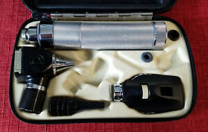 Welch Allyn Otoscope Opthalomscope Diagnostic Set