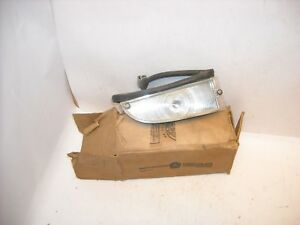 Mopar Nos 1961 1962 Plymouth Valiant Front Left Turn Signal Assembly 2189266