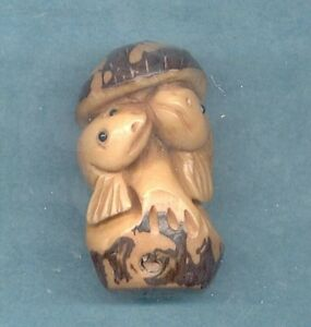 Two Fish Netsuke Hand Carved Tagua Nut Figurine 770