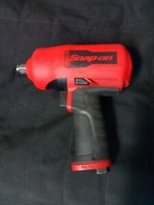 Snap on 1 2 Drive Pneumatic Air Impact Wrench Red Pt850