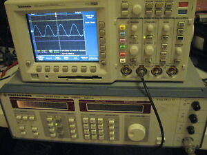 Rohde Schwarz Smy02 2ghz Synthesized Signal Generator
