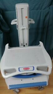 Rubbermaid Fg9m3801l00 Portable Monitor Medical Supply Cart Nursing Surgical Vet