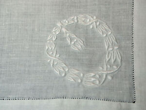 Antique 12 Embroidered Linen Dinner Napkins Fancy Embroidery Wreath 20 Square
