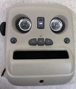 2002 Chevrolet Avalanche 1500 Over Head Console Map Lights W Homelink