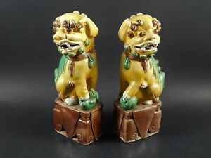 Pair Male Female Chinese Sancai Porcelain Foo Dog Shi Shi Buddha Guard Lions