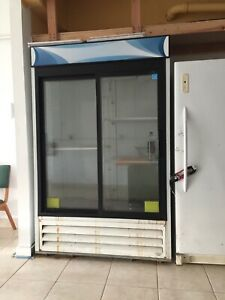 Sliding Glass Door Refrigerator Delfield 45 ci Ft