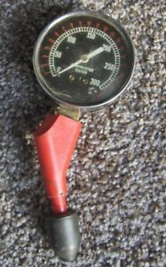 Compression Tester 300psi Engine Motor Tool Dial 32881 Vintage Collectable