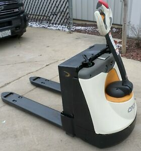 Crown Model Wp3045 45 2015 4500lbs Capacity Great Electric Jack Forklift