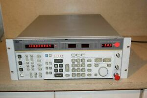 ss Hp Hewlett Packard 8663a Synthesized Signal Generator sf3