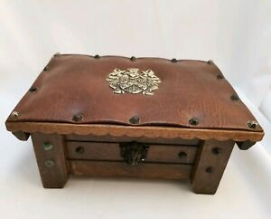 Vintage Leather Topped Wooden Box With Metal Studs And Lion Detail Cigar Jewelry