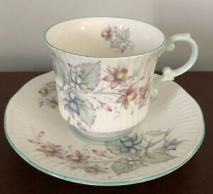Vintage Rosina Queen S Tea Cup And Saucer Bone China England Floral Blue Pink