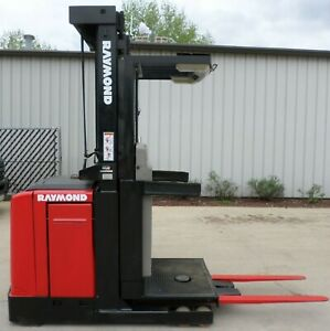 Raymond Model Easiopc30tt 2005 3000lb Capacity Order Picker Electric Forklift