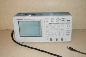 ss Tektronix Tds 220 Tds220 Two Channel Digital Real Time Oscilloscope
