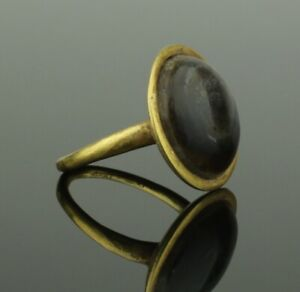 Ancient Roman Gold Ring With Agate 2nd Century Ad