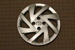 2015 2018 Toyota Prius C Hatchback 15 Hubcap Wheel Cover 42602 52580