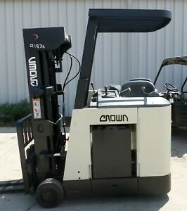 Crown Model Rc3020 40 2003 4000 Lbs Capacity Great Docker Electric Forklift