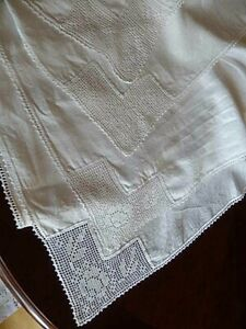 Vintage Irish Linen And Crochet Lace Tea Tablecloth White