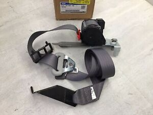 2003 2006 Ford Expedition Oem Front Left Seat Belt Tensioner 2l1z 78611b09 Aae