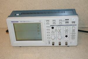 Tektronix Tds220 Tds 220 Two Channel Digital Real Time Oscilloscope tx2