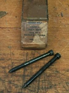 G085 G506 Chevrolet 1 1 2 Ton Army Truck Rear Spring Center Bolts