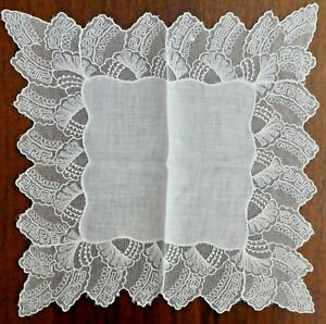 Antique Lace Wedding Hankie Linen Wide Intricate Lace Border Netting 11 Sq