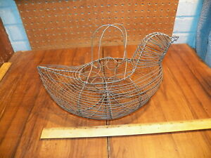 Vintage Metal Wire Chicken Shaped Egg Carrying Basket
