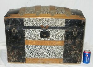 Old Antique Small Victorian Humpback Ornate Tin Wood Steamer Trunk Chest