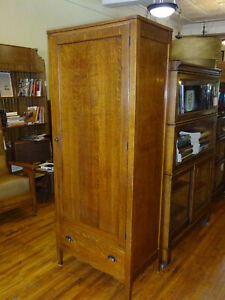 Antique Quartered Oak Clothing Wardrobe Armoire 1920 S Arts Crafts