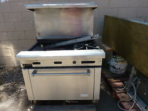 Imperial 2 Burners 24 Grill oven Combo nat Gas 2shelves s s Front 900 Items