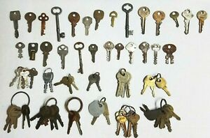 Lot Of 70 Vintage Very Worn Tarnished Keys Master Lock Lori Slaymaker Yale