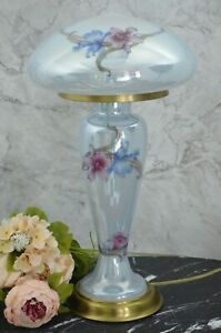 Beautiful Elegant Quoizel Iridescent Blue Glass Table Lamp With Glass Shade