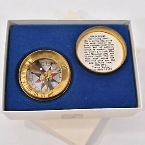 Fine Vintage Sun Mfg Brass Sundial Compass In Box Pocket Size Scouts Travel
