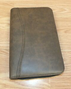 Day timer Brown Faux Leather Zip Up Binder Planner read