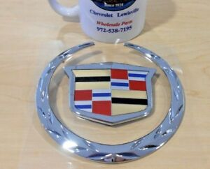 Grill Emblem Wreath And Crest 2007 2014 Cadillac Escalade W o Platinum 22985036