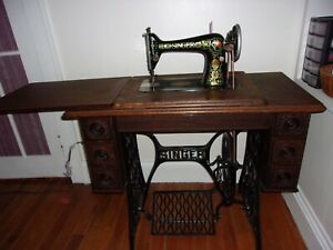 Antique 1913 Singer Treadle Sewing Machine W Original Cabinet Red Eye Model 66 1