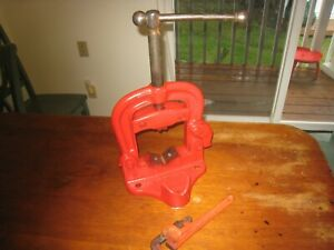 Usa Made Bench Yoke Pipe Vise 1 8 To 4 Capacity Reed With Ridgid Wrench