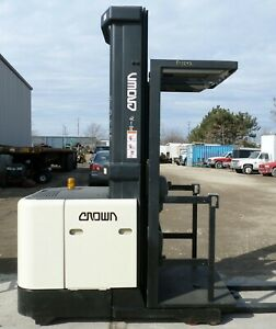 Crown Sp3020 30 2001 3000 Lbs Capacity Great Electric Order Picker Forklift