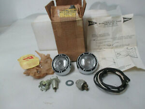 Mopar Nos 1961 Valiant Wagon Back Up Lamp Package With Standard Trans 2257701