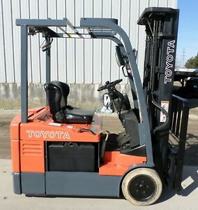Toyota 7fbeu15 2011 3000 Lbs Capacity Great 3 Wheel Electric Forklift