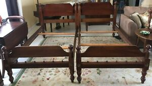 Antique Pair Davis Cabinet Company Solid Weathered Cherry Twin Beds 455 3 3