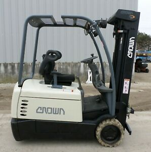 Crown Sc4040 40 2003 4000 Lbs Capacity Great 3 Wheel Electric Forklift