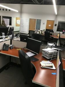 Herman Miller Call Center Cubicles Power And Data To All Office Workstations