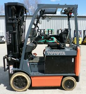 Toyota 8fbcu25 2015 5000 Lbs Capacity Great 4 Wheel Electric Forklift