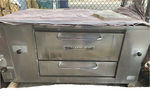 Bakers Pride Pizza Oven Nat Gas new Bricks Works Great W 12in Legs