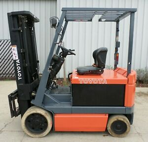 Toyota 5fbchu25 2000 5000 Lbs Capacity Great 4 Wheel Electric Forklift