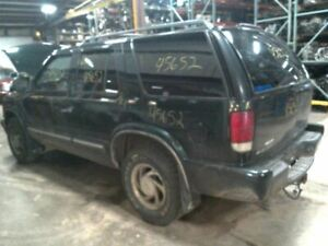 Console Front Floor Without Tow Package Fits 00 02 Blazer S10 jimmy S15 3139458
