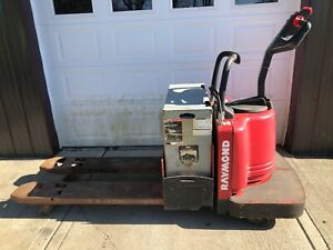 Raymond Model 112 2004 Electric Ride On Pallet Jack 6000lb Lift